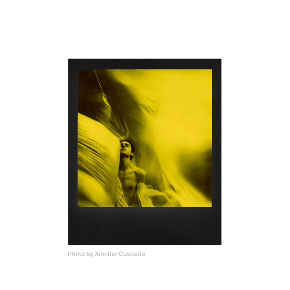 Polaroid | Black & Yellow 600 Film | Duochrome Edition | FotoFilmFabriek