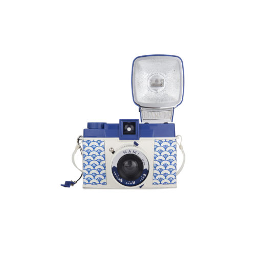 Lomography Diana F+ Nami Edition | Middenformaat camera | FotoFilmFabriek